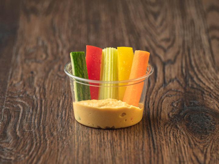 Gemüsesticks Hummus Cup